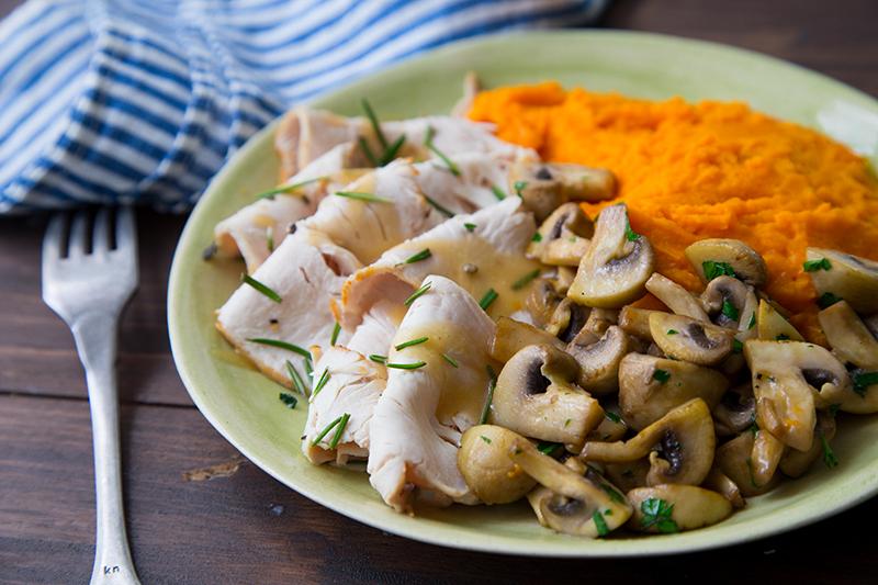 Filet de dinde mousseline carottes champignons