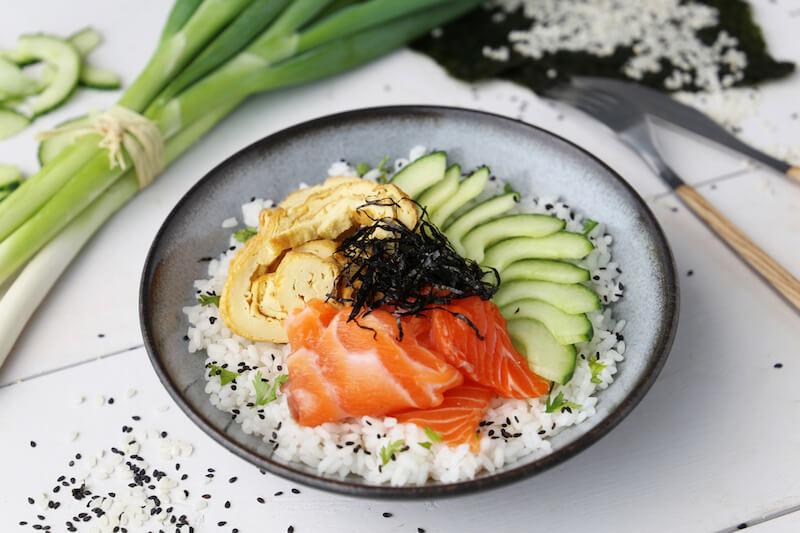 Chirashi saumon omelette