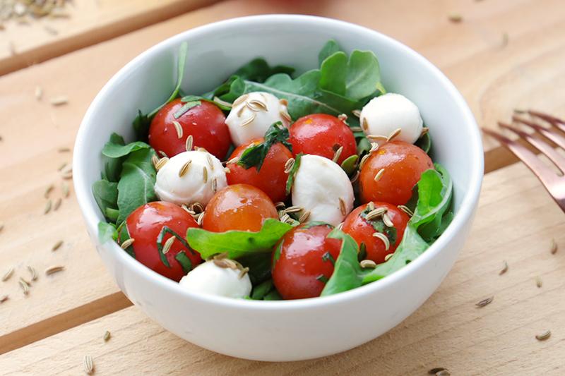 Salade tomates cerise et mozarella